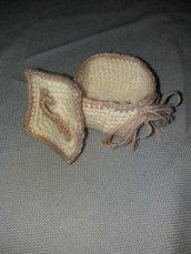 Portaoggetti in filato di lana lavorato ad uncinetto