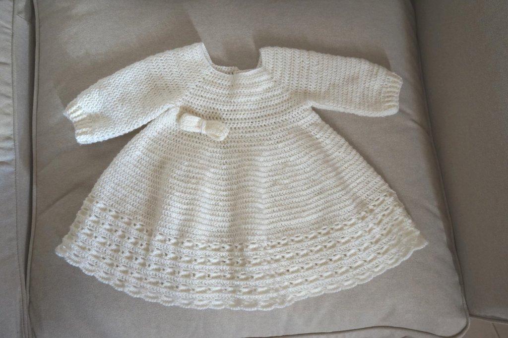 Vestito in lana maniche lunghe. Bianco