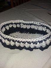 Portaoggetti/cestino in cordoncino di colore blu e grigio perla