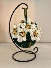 Pomander con tessuto e  fiori di seta