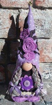 Gnomo Fermaporta piccolo c/trecce decoro fiori