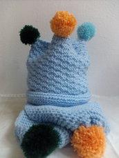Berrettino con sciarpa baby.