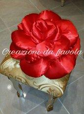 Cuscino a forma di rosa rosso