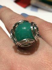 Anello regolabile ottone e resina colorata effetto pietra naturale