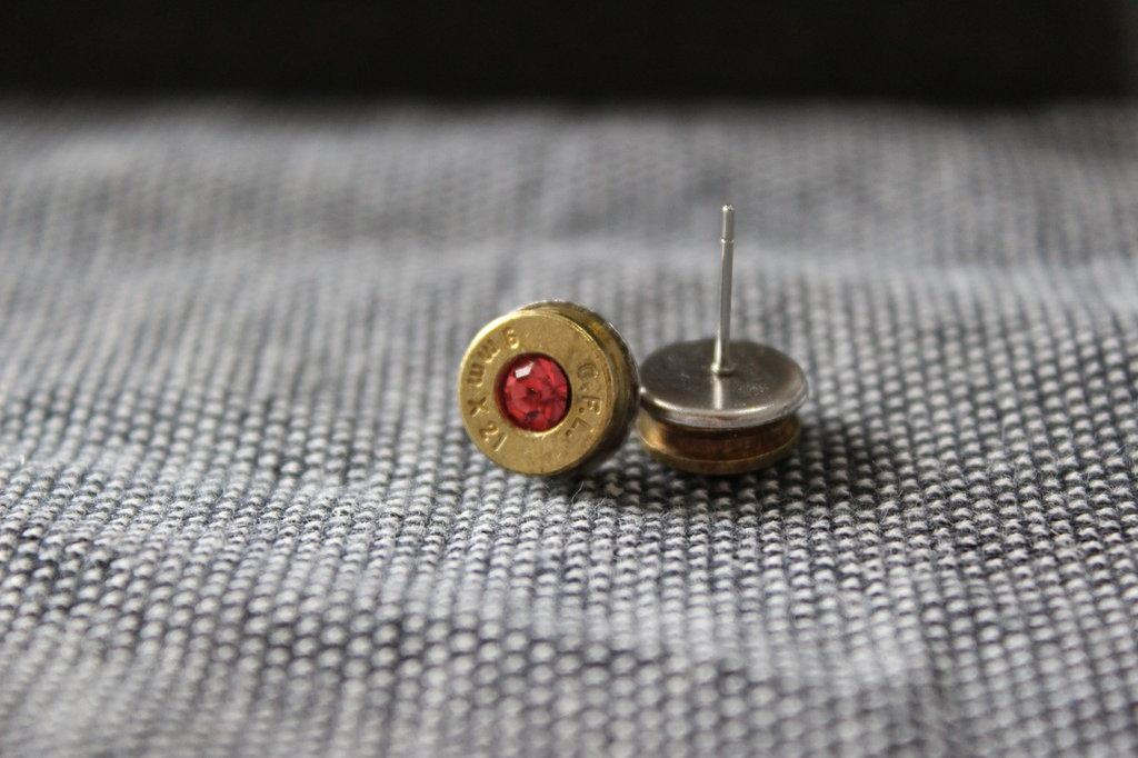 Orecchini artigianali munizione 9x21 con cristallo rosa