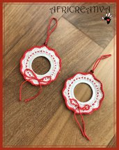 Addobbi natalizi rossi e bianchi a crochet