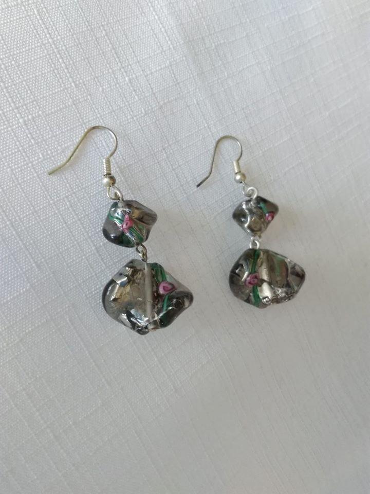 orecchini con perline in  vetro di murano