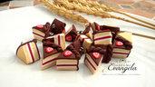 Ciondolo fetta di torta cioccolato fragola in fimo minuteria materiale per creare bigiotteria accessori bomboniere