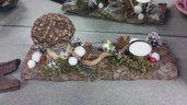 Funghetto. Decorazione fatta con elementi naturali per casa, ufficio, ristorante o reception