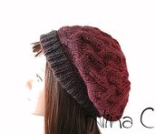 Cappello, basco ai ferri con lavorazione a intrecci, sfumato dal grigio al bordò, donna, ragazza, inverno, lana