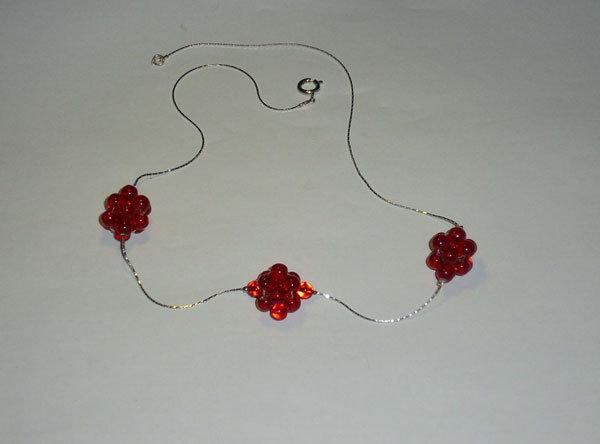 collana con boule di perle di vetro rosse