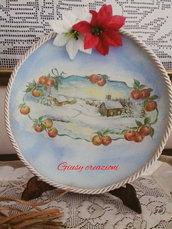 Piatto natalizio di 30 x 30 cm realizzato con tecnica découpage