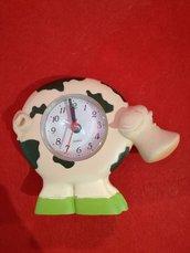 Orologio da tavolo a forma di mucca