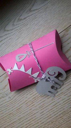 pillow scatoline in cartoncino color rosa