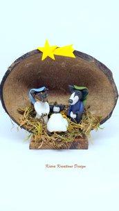 Presepe di cani levrieri in fimo nella noce di cocco, presepe in miniature come idea regalo natale per amanti dei cani