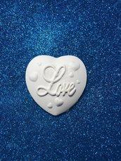 Cuore gesso ceramico  con scritta love per il fai da te