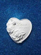 Cuore love forever con rose a rilievo in gesso ceramico profumato per il faii da te