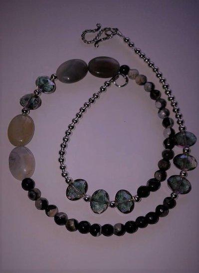 collana corta pietre preziose