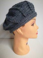 cappello di lana modello basco