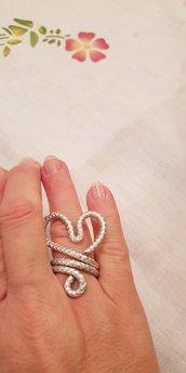 Anello cuore in alluminio striato