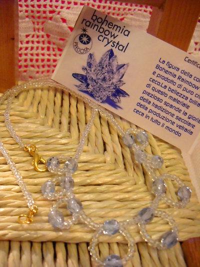 collana con perline trasparenti e cristalli di Boemia azzurri