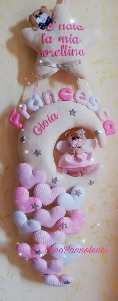 Fiocco nascita Orsetta damina/fatina con cascata di cuori in tante fantasie. Versione Rosa.
