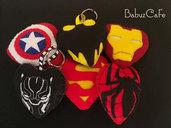 Avengers logo, avengers portachiavi, loghi supereroi, avengers infinity war, batman, Captain America, Spiderman, superman, Ironman
