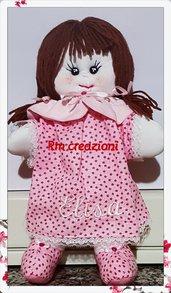 Bambola di pezza articolata
