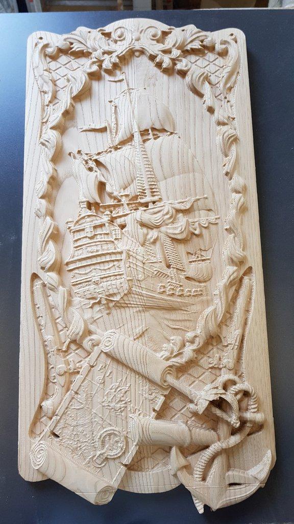 Veliero intagliato nel legno
