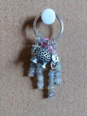 Portachiavi con perle e ciondolo elefante