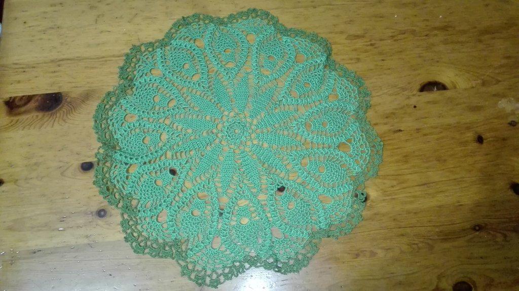 Centrino fatto a mano uncinetto in cotone