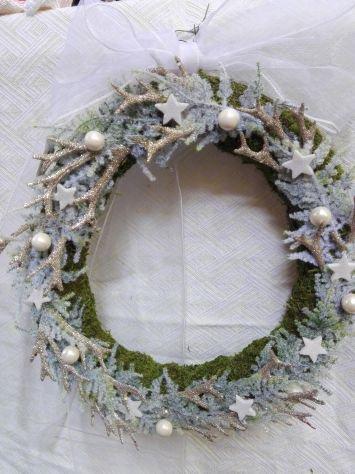 Ghirlanda invernale fuori porta o vetrina diametro 30 cm.