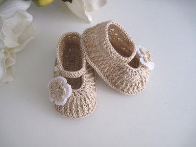 Scarpine neonata uncinetto beige ecrù fatte a mano cerimonia nascita battesimo idea regalo cotone handmade