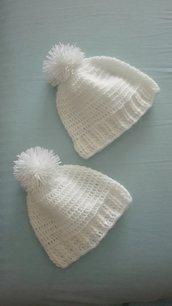 Cappellino neonato con ponpon