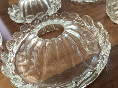 Tazza, ricambio per lampadari, in vetro soffiato di Murano, trasparente e oro, con morise