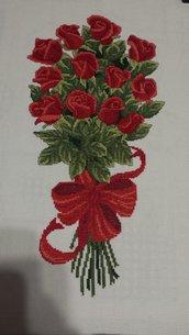 Ricamo a mano punto croce rose rosse mazzo fiori fiocco quadro arredamento casa