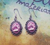 Orecchini con cammeo farfalla rosa