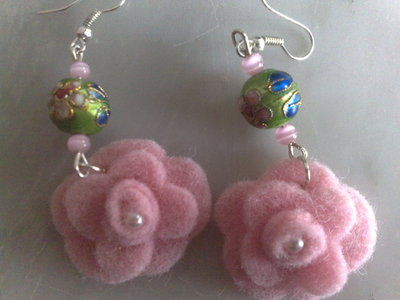 rose e perle in rilievo