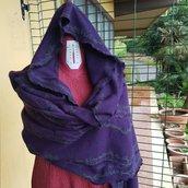 Scialle cappuccio in lana viola