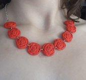 Collana rose rosse