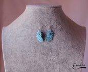 Orecchini azzurri rigidi fiore in alluminio smaltato con pietra azzurra