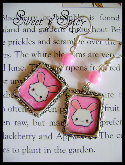 SWEET BUNNY KAWAII EARRINGS-ORECCHINI CAMEO ALTERED ART CON CONIGLIETTO KAWAII