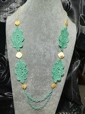 Elegante Collana donna in stoffa verde acqua e madreperla avorio