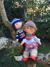 Coppia bambole di innamorati in pannolenci