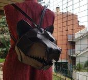 Borsa zaino in pelle e cuoio a forma di testa di lupo