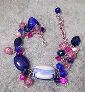 Luminoso Bracciale in pietre dure. Blu e rosa. Regolabile donna