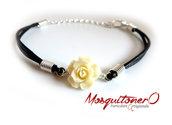 Bracciale da donna con rosa bianca in resina | fiore semplice boho