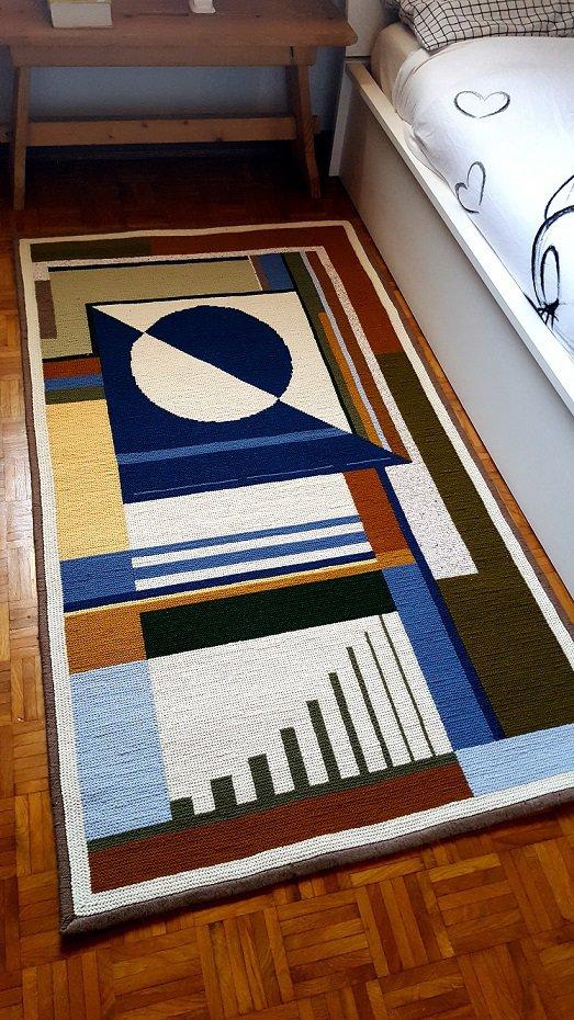 Tappeto design moderno di lana ricamato a punto arraiolos su tela di juta -pezzo unico - Made in Italy