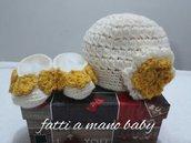 Completino cappellino e scarpette neonata