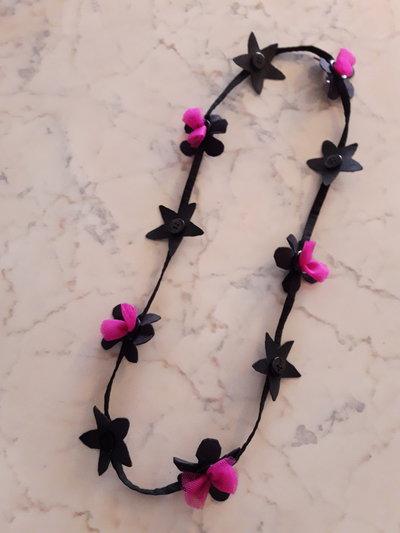 Collana decorazioni floreali